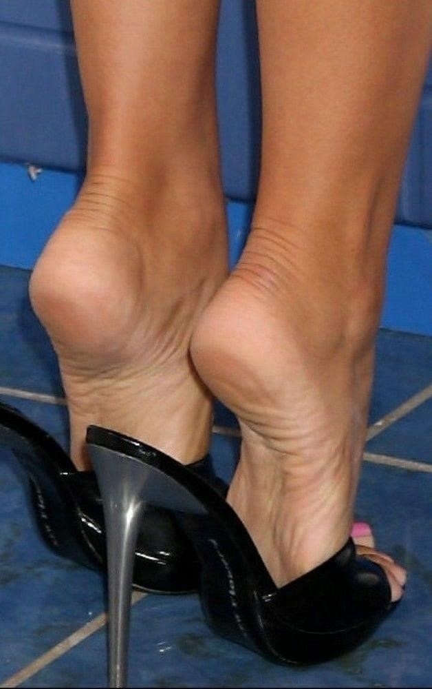 Sexy women feet porn-6127