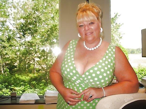 Nude granny big boobs-7721