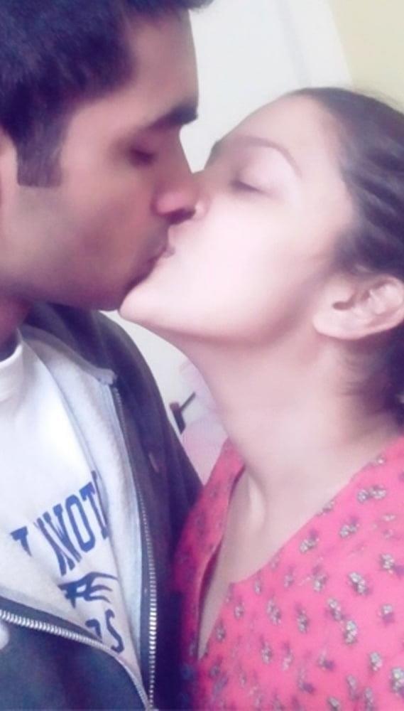 Desi kissing girl-1288