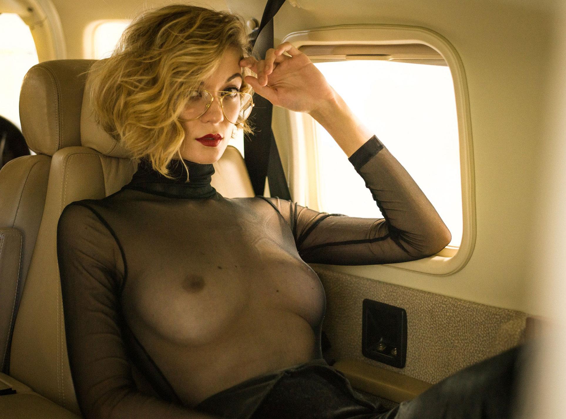 сексуальная угонщица самолета Анна-Лиза / фото 08