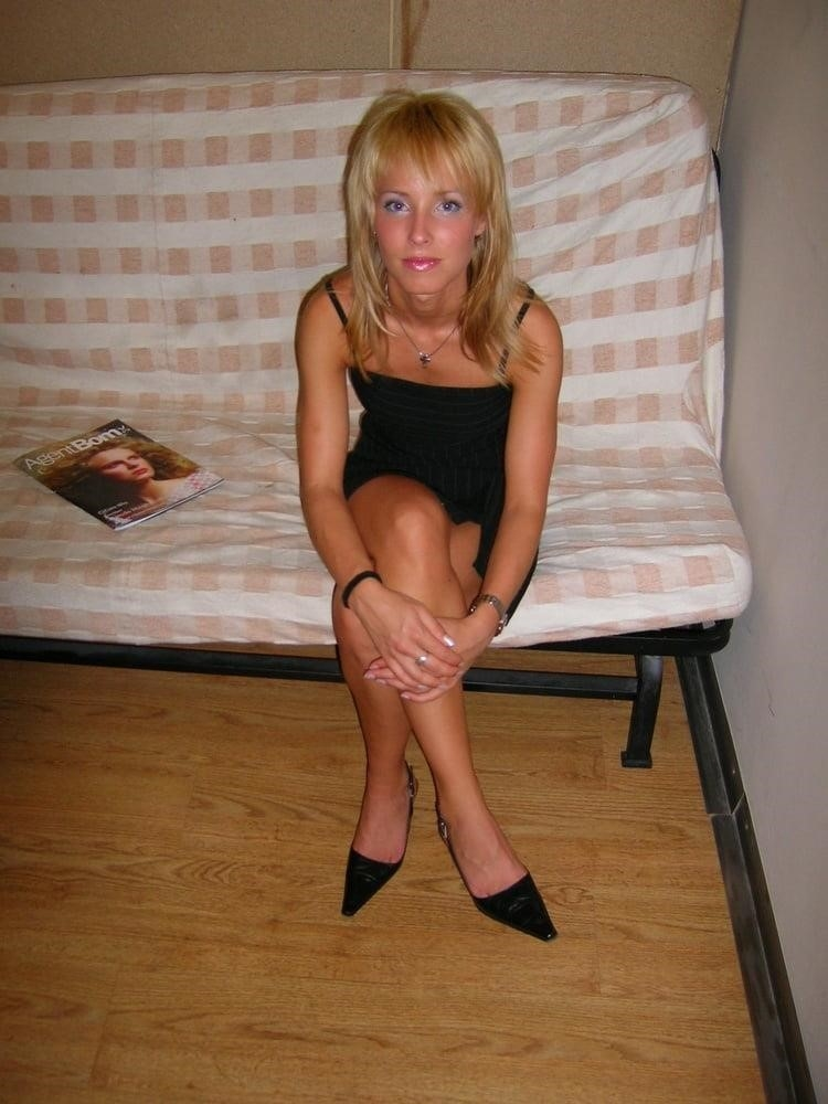 Blond nude girls-9636