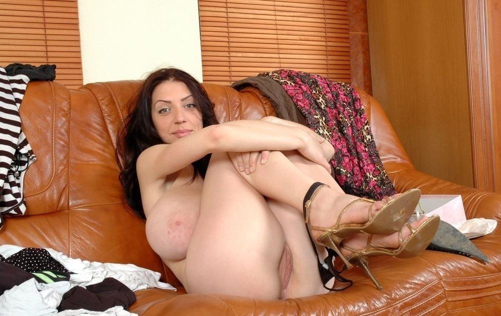 Slim girl huge tits-6454