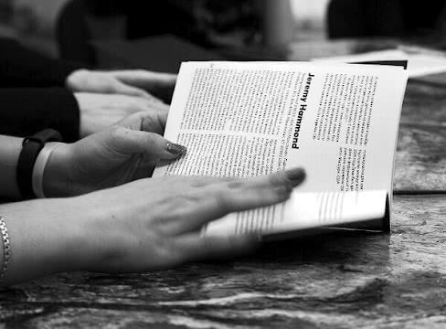 Читаем истории заключённых