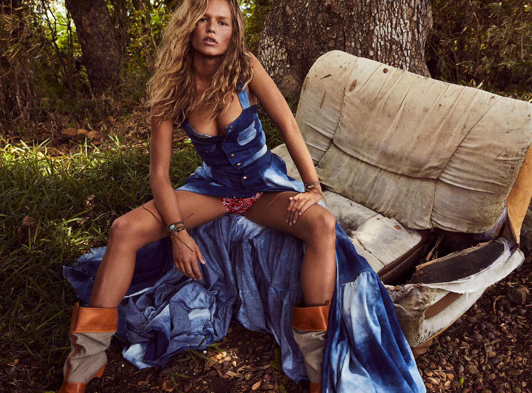 Wild Wild West / Anna Ewers by Mikael Jansson / Vogue Paris may 2018
