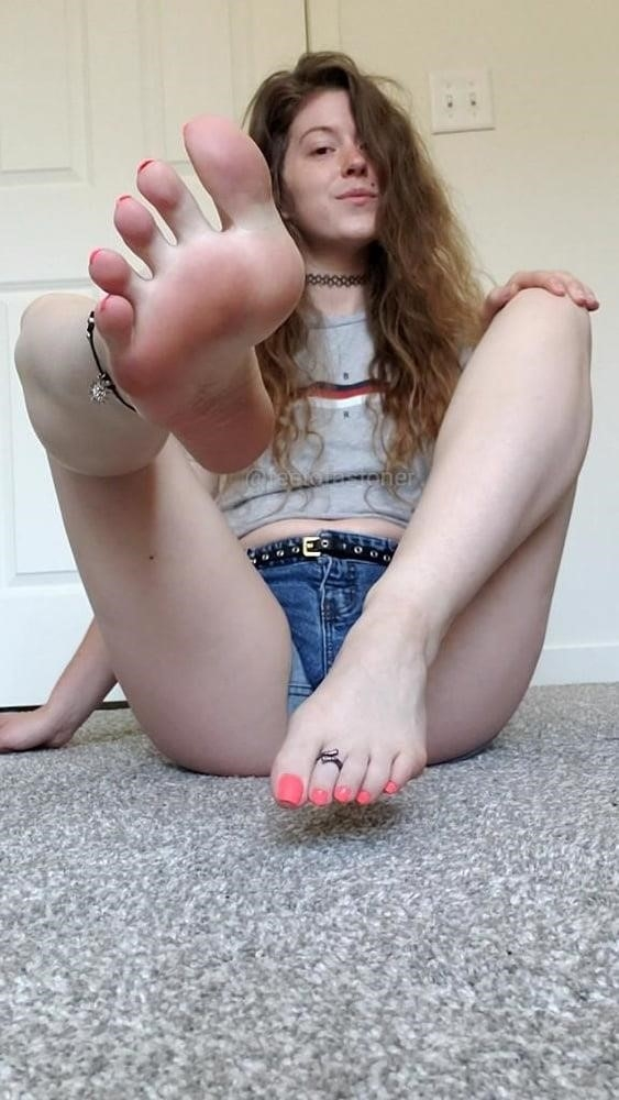 Small feet worship-7571