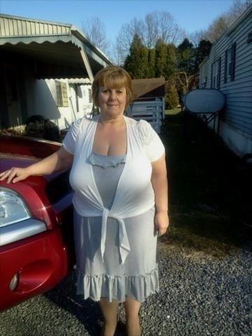 Busty granny porn pics-5657