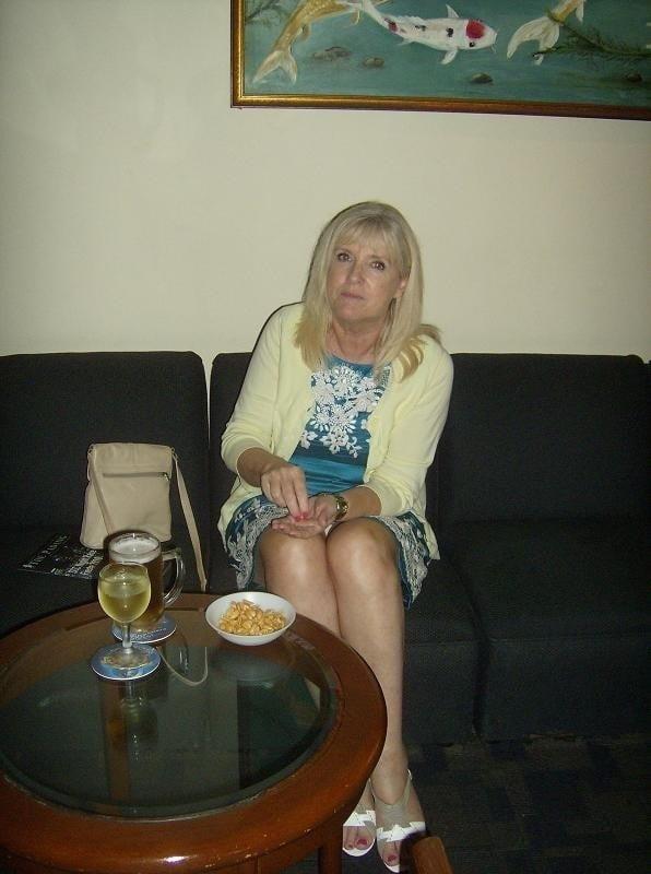 Amatuer mature wife pics-9953