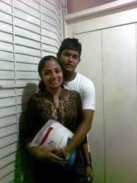 Desi kissing girl-8299