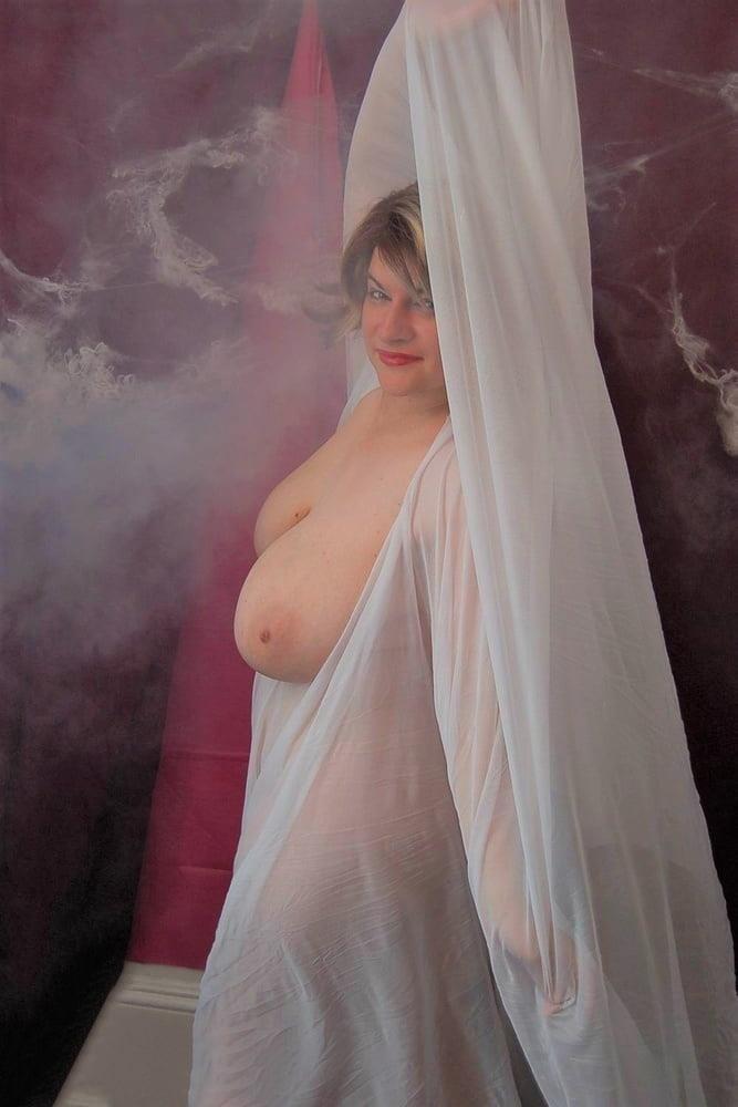 Big tit mature naked-6827