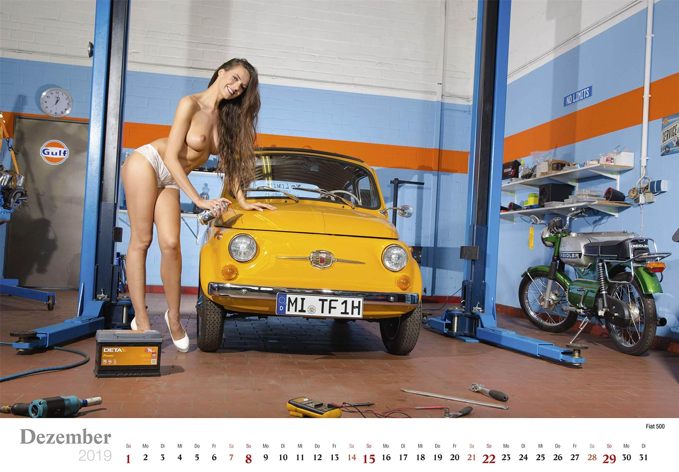 Сексуальные девушки ремонтируют автомобили / Fiat 500 / Schraubertraume / 2019 erotic calendar by Frank Lutzeback