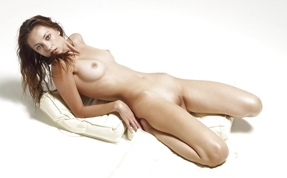 Young very sexy-6747