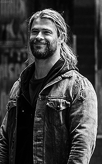 Chris Hemsworth 5LGmMplH_o