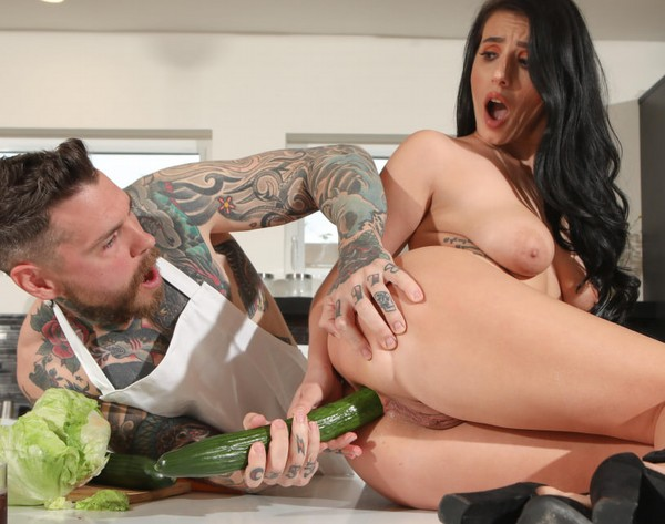Drilled - Nelly Kent - Nelly Wants That Cock In Her Ass For Dinner (2019)