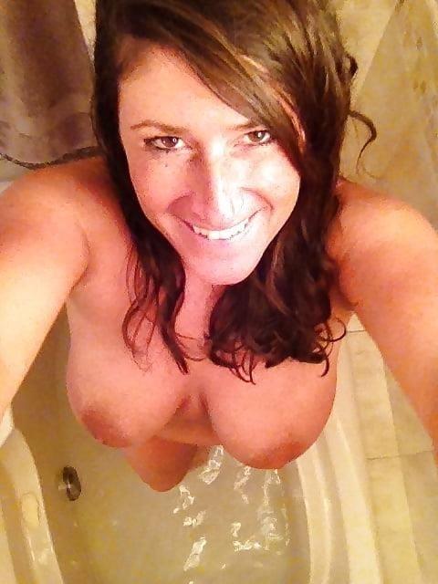Big tit milf selfies-3813