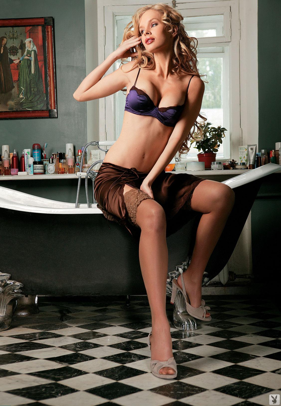 Девушка месяца Ольга Курбатова, Playboy Россия март 2005 / фото 06