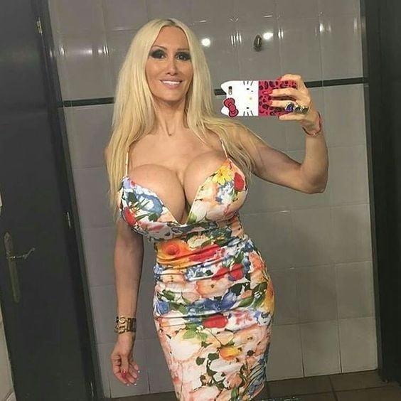 Big round boobs porn pics-4454