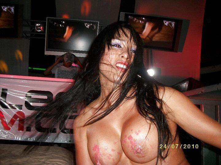Young sexy girls dancing-7727