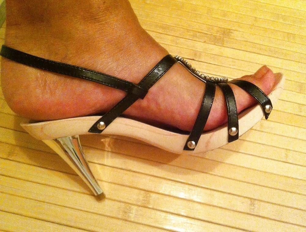Natural tits high heels-3893