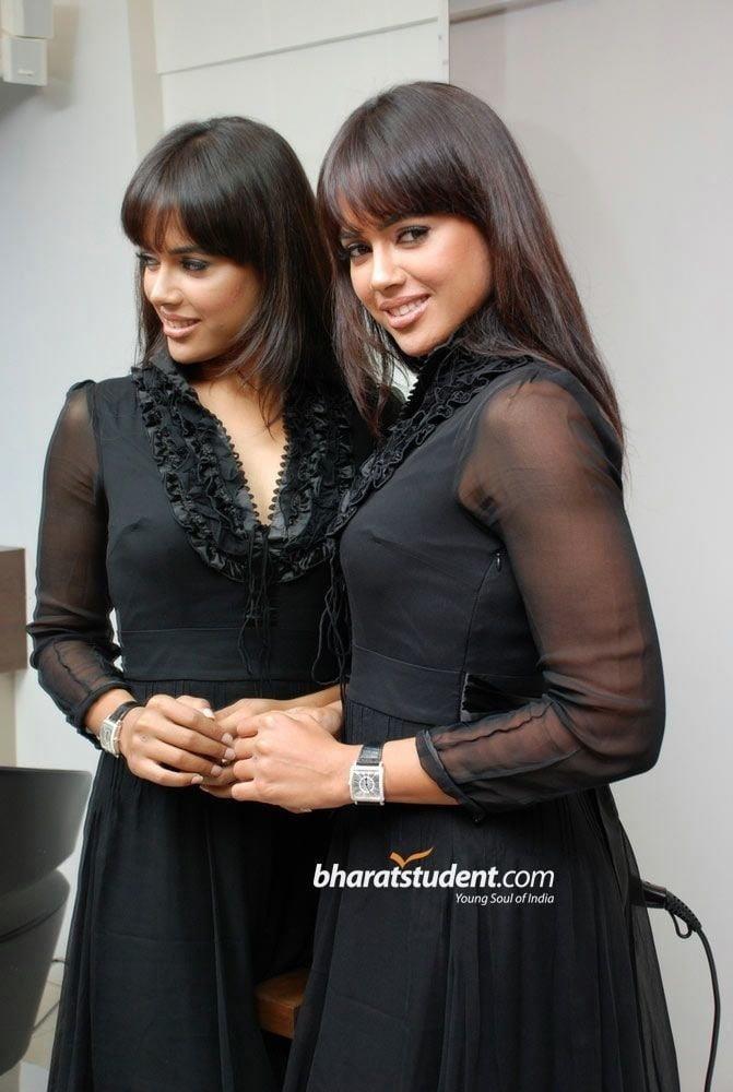 Sameera reddy sexy photos-6391