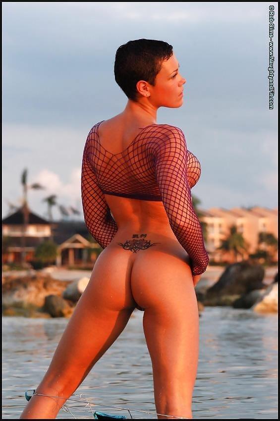 Beautiful fit naked women-9205