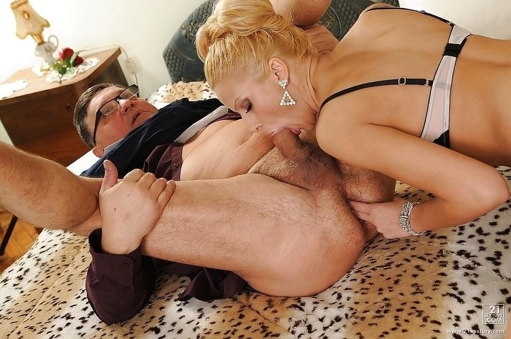 Wife surprises husband with anal-7594