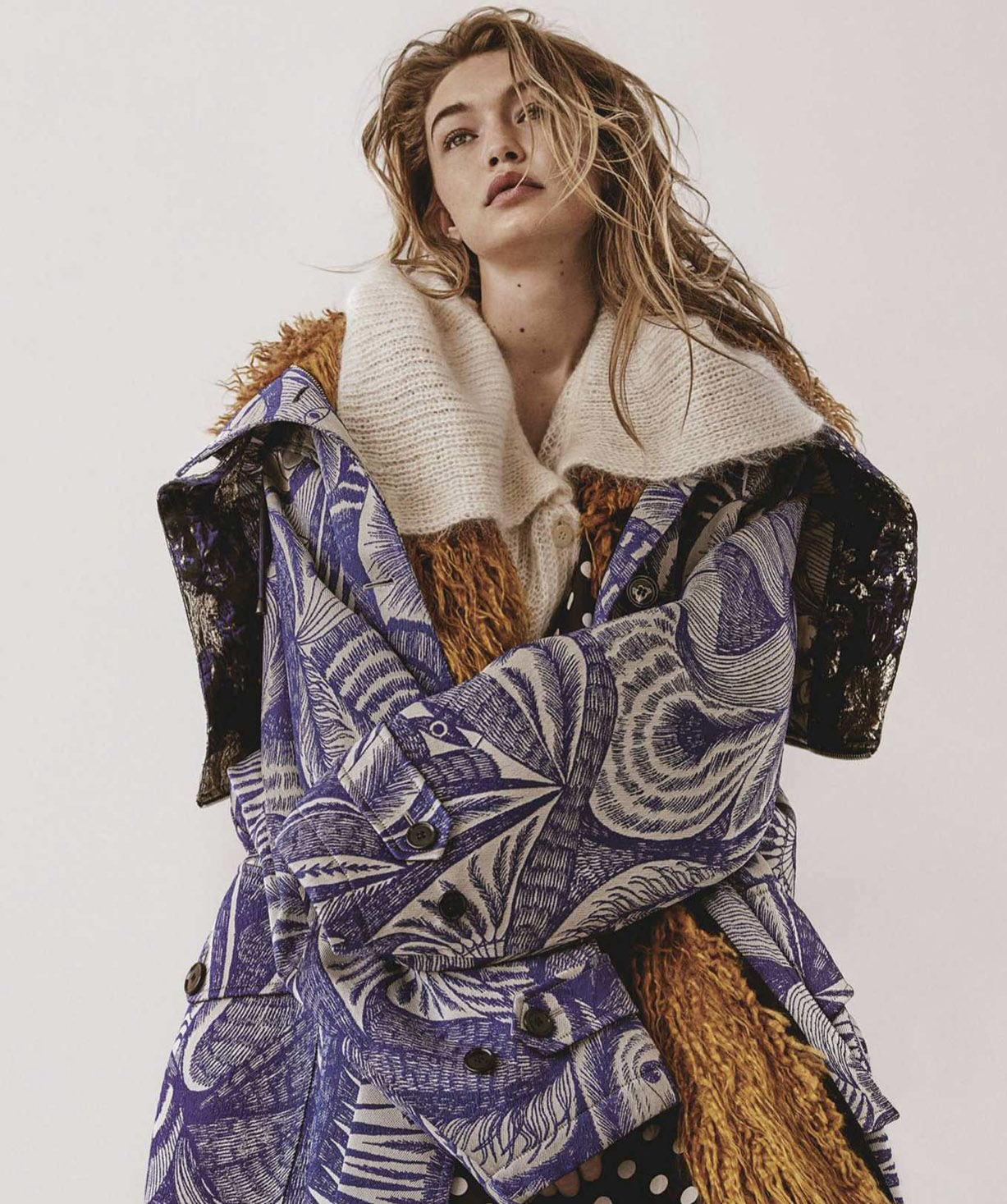 Cool Change / Gigi Hadid by Giampaolo Sgura / Vogue Australia july 2018
