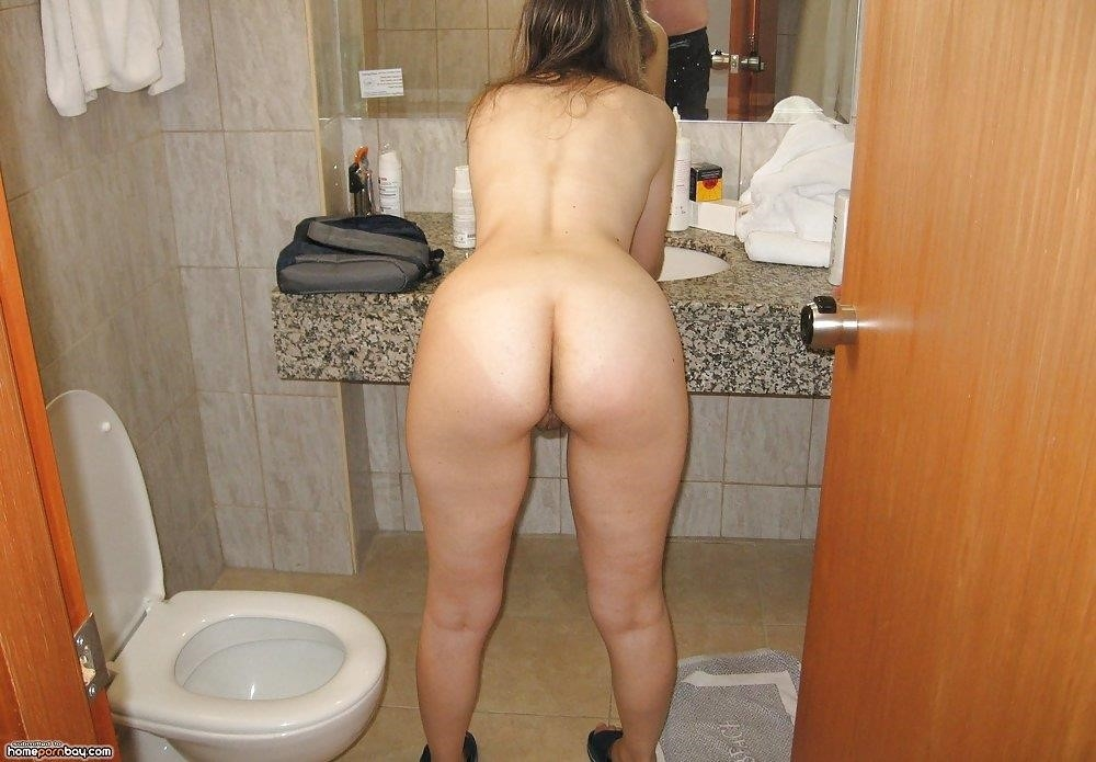 Wife nude in home-2285