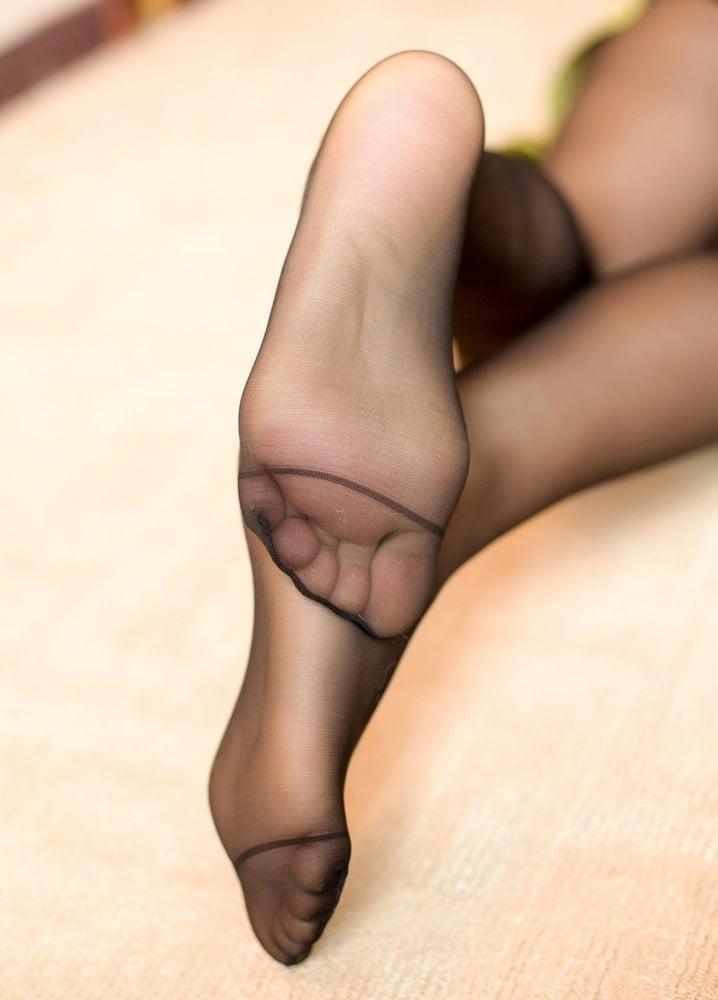 Nylon feet porn hd-8018