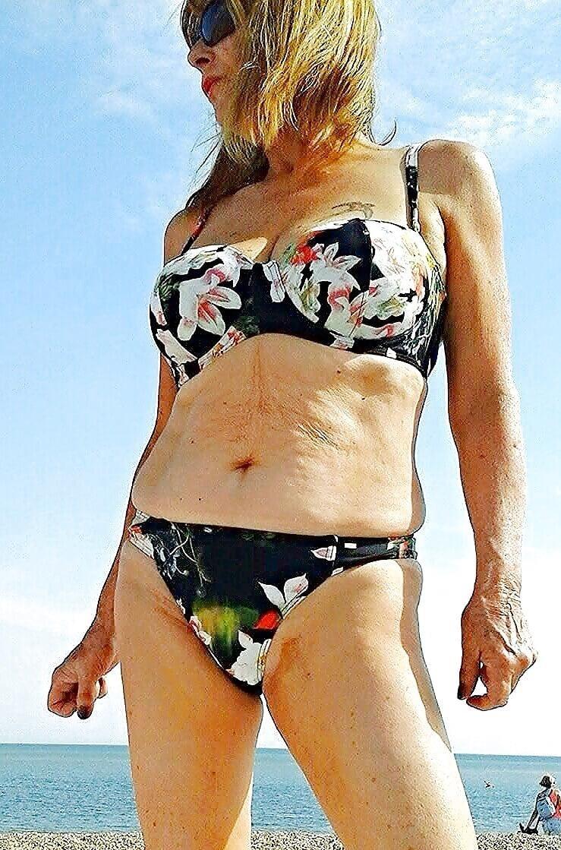 Beautiful mature women in bikinis-7792