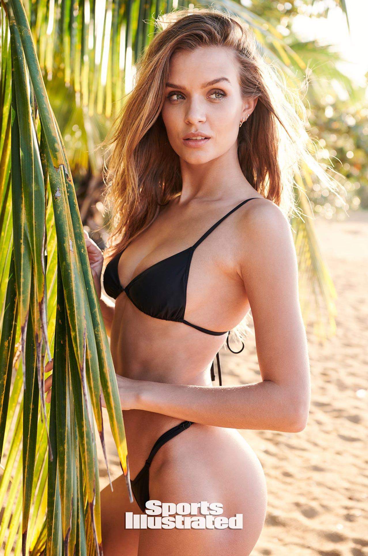 Жозефин Скривер в каталоге купальников Sports Illustrated Swimsuit 2020 / фото 06