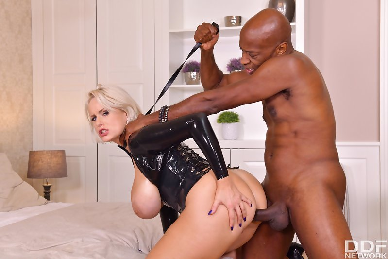 Angel Wicky, Mike Chapman – Special BDSM Services Delivered – House Of Taboo – DDF Network