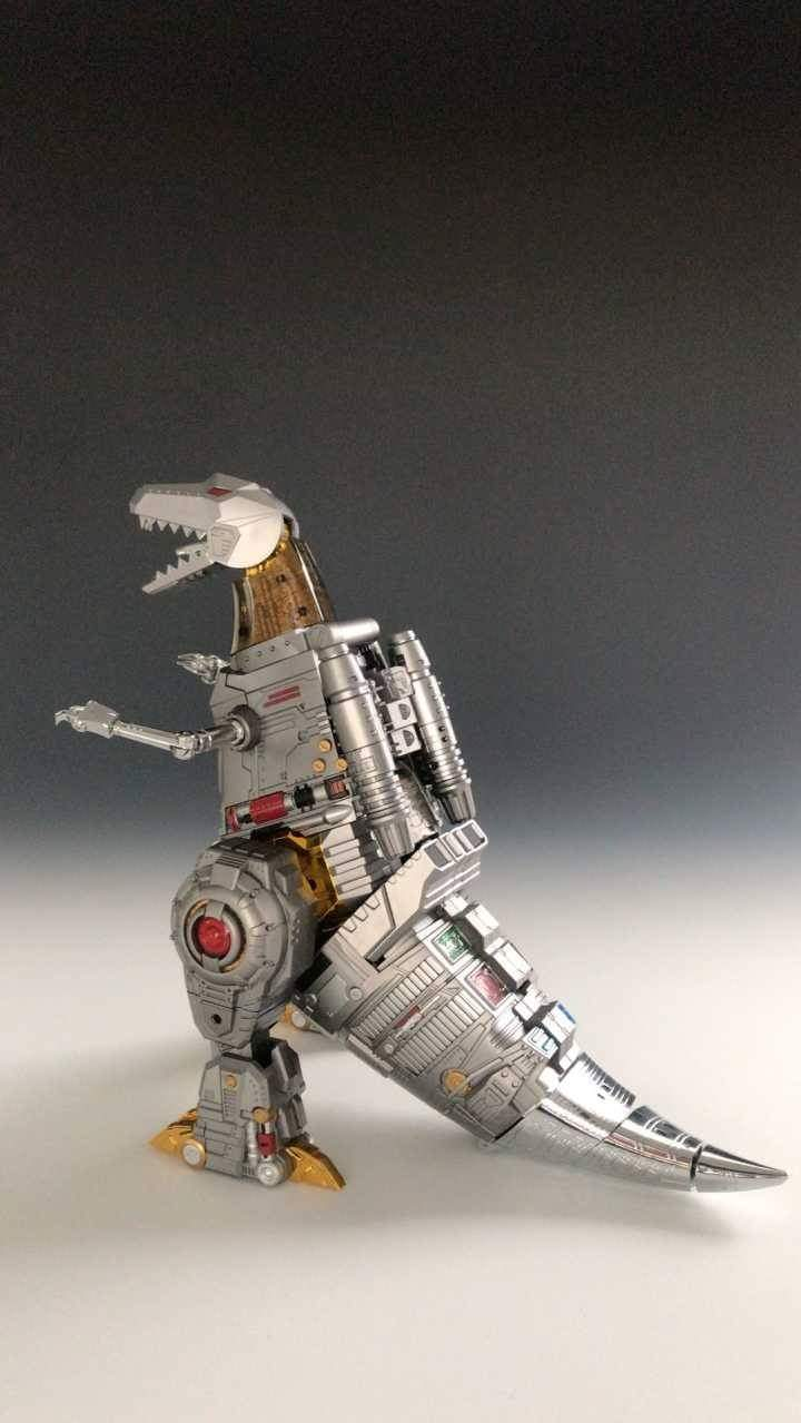 [GigaPower] Produit Tiers - Jouets HQ-01 Superator + HQ-02 Grassor + HQ-03 Guttur + HQ-04 Graviter + HQ-05 Gaudenter - aka Dinobots - Page 7 EWCvXOov_o