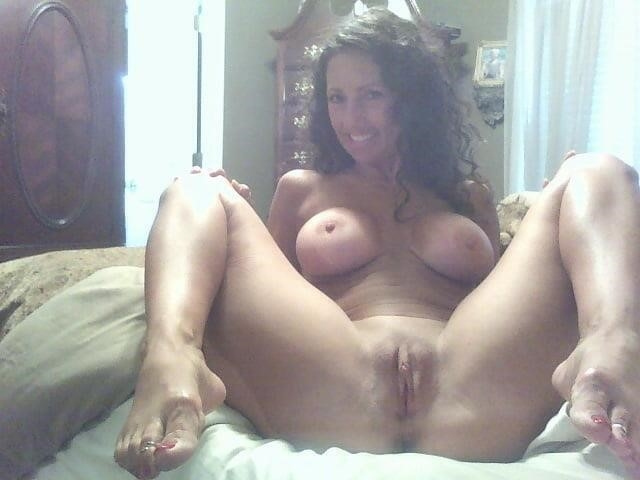 Free brunette milf pics-1293