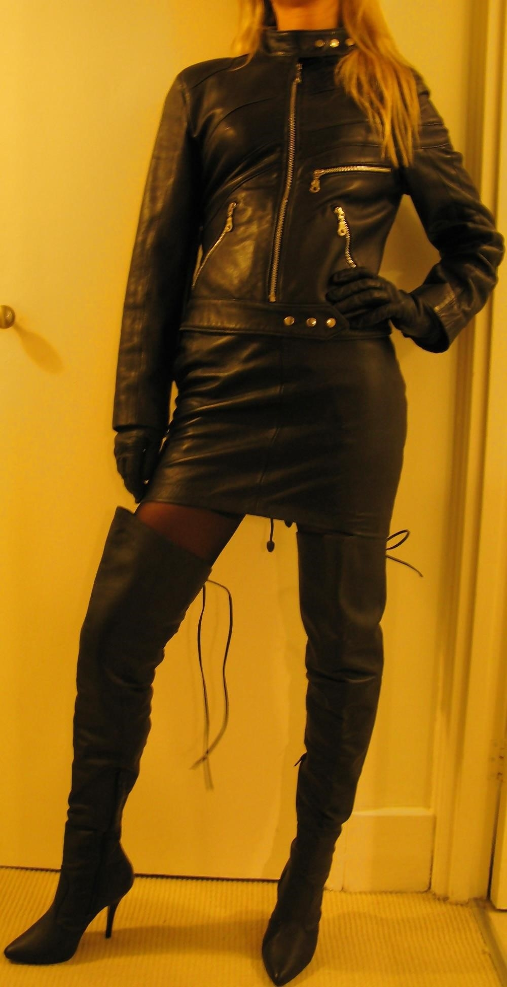 Leather girl bdsm-2856