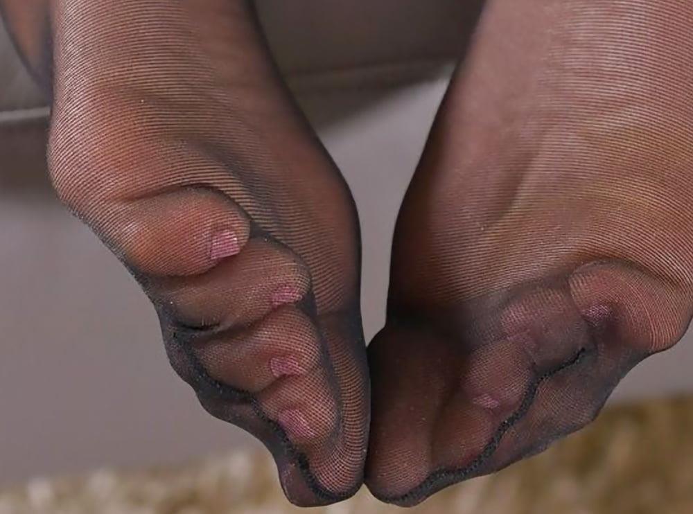 Nylon feet porn hd-2003