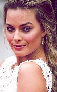 Margot Robbie Al00IqqX_o