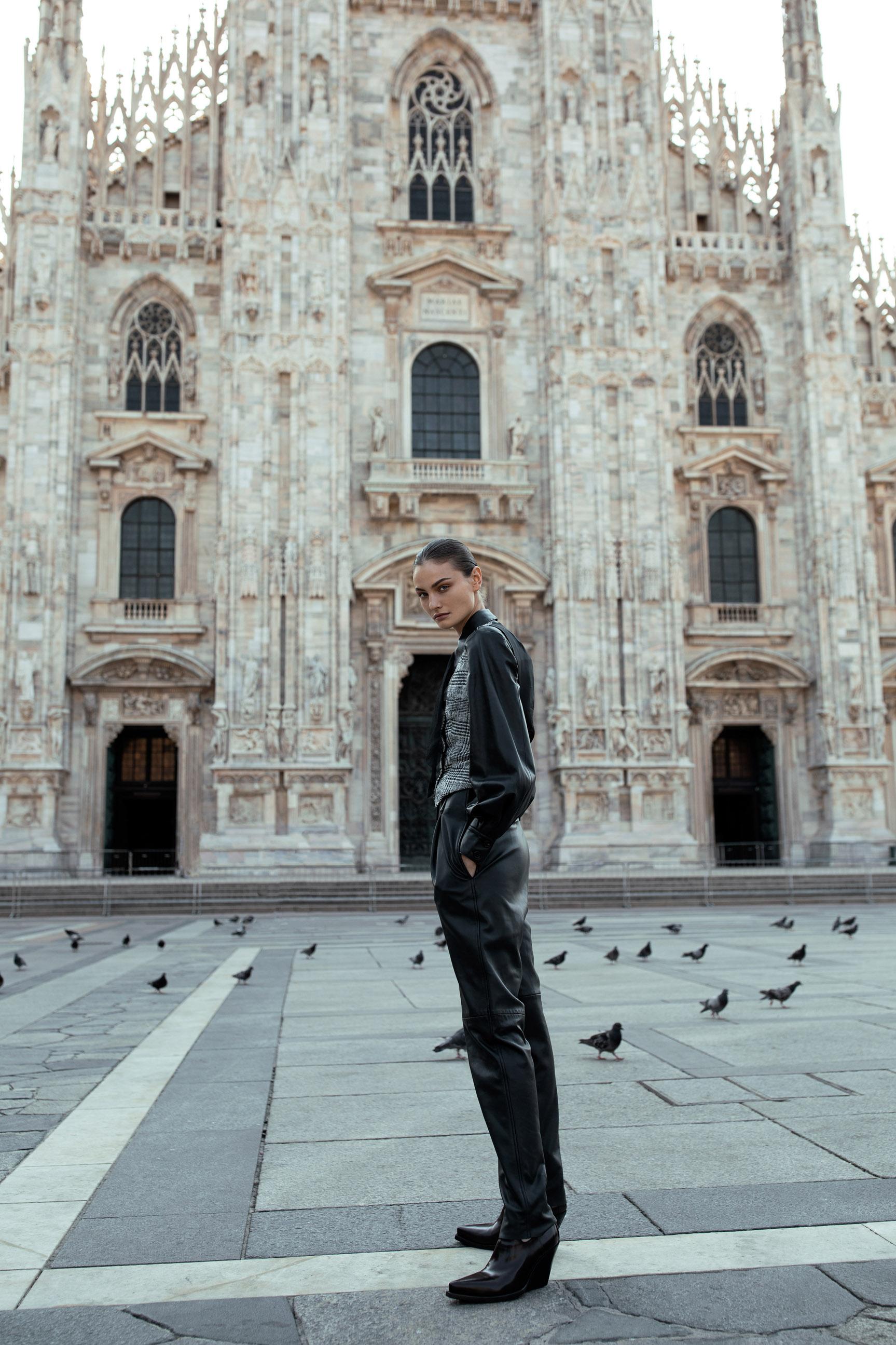 Паула Чиолтян на улицах Милана / фото 05