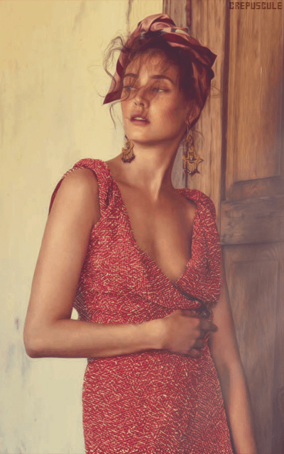 Diana Moldovan HzJMZnYH_o