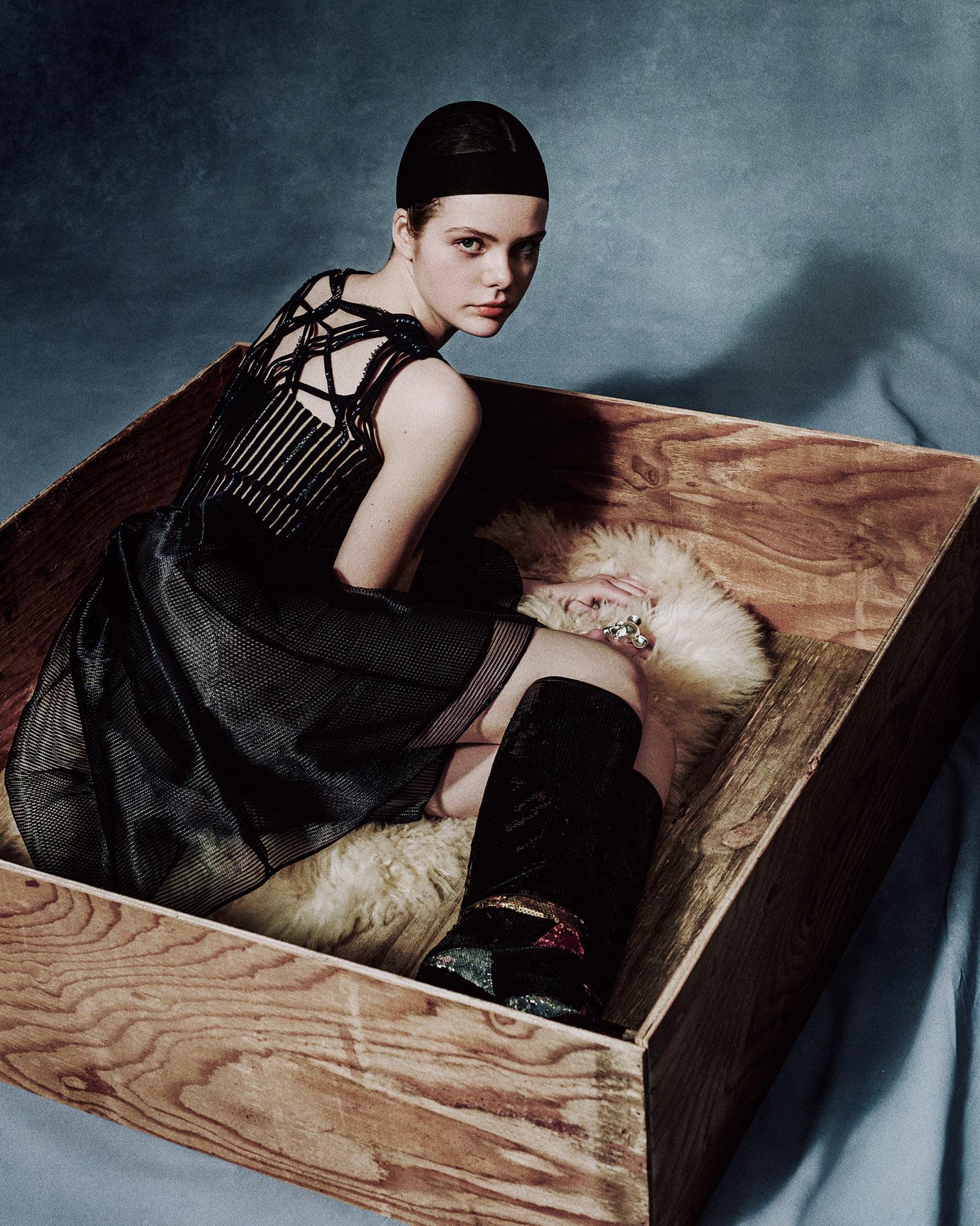 Julia Nicole by Elizaveta Porodina / Cocoon magazine 2016