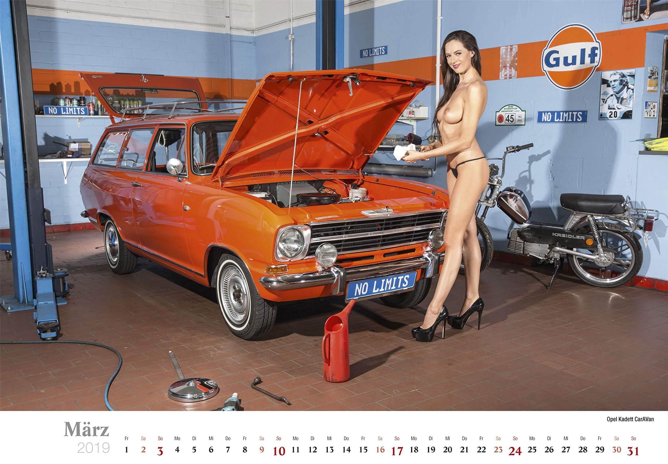 Сексуальные девушки ремонтируют автомобили / Opel Kadett CarAVan / Schraubertraume / 2019 erotic calendar by Frank Lutzeback