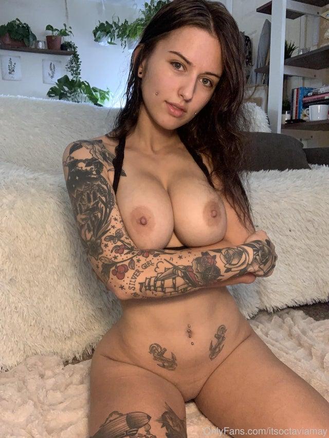 Tatuadas e Coloridas fotos Nua