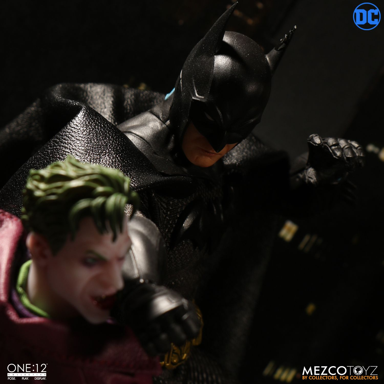 """Sovereign Knight Batman - One 12"""" (Mezco Toys) MZAk03GQ_o"""