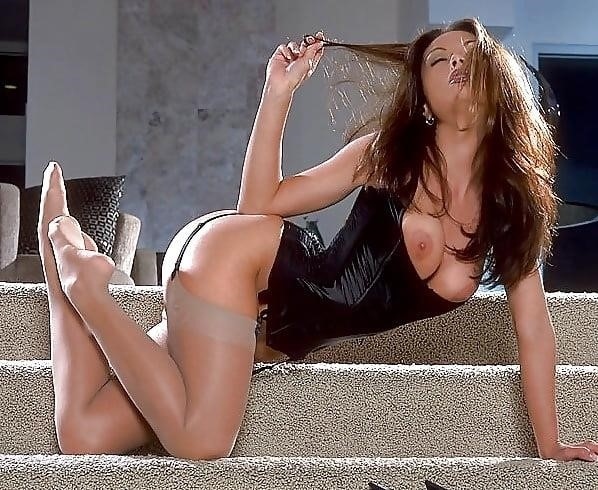 Women with erect nipples-4080