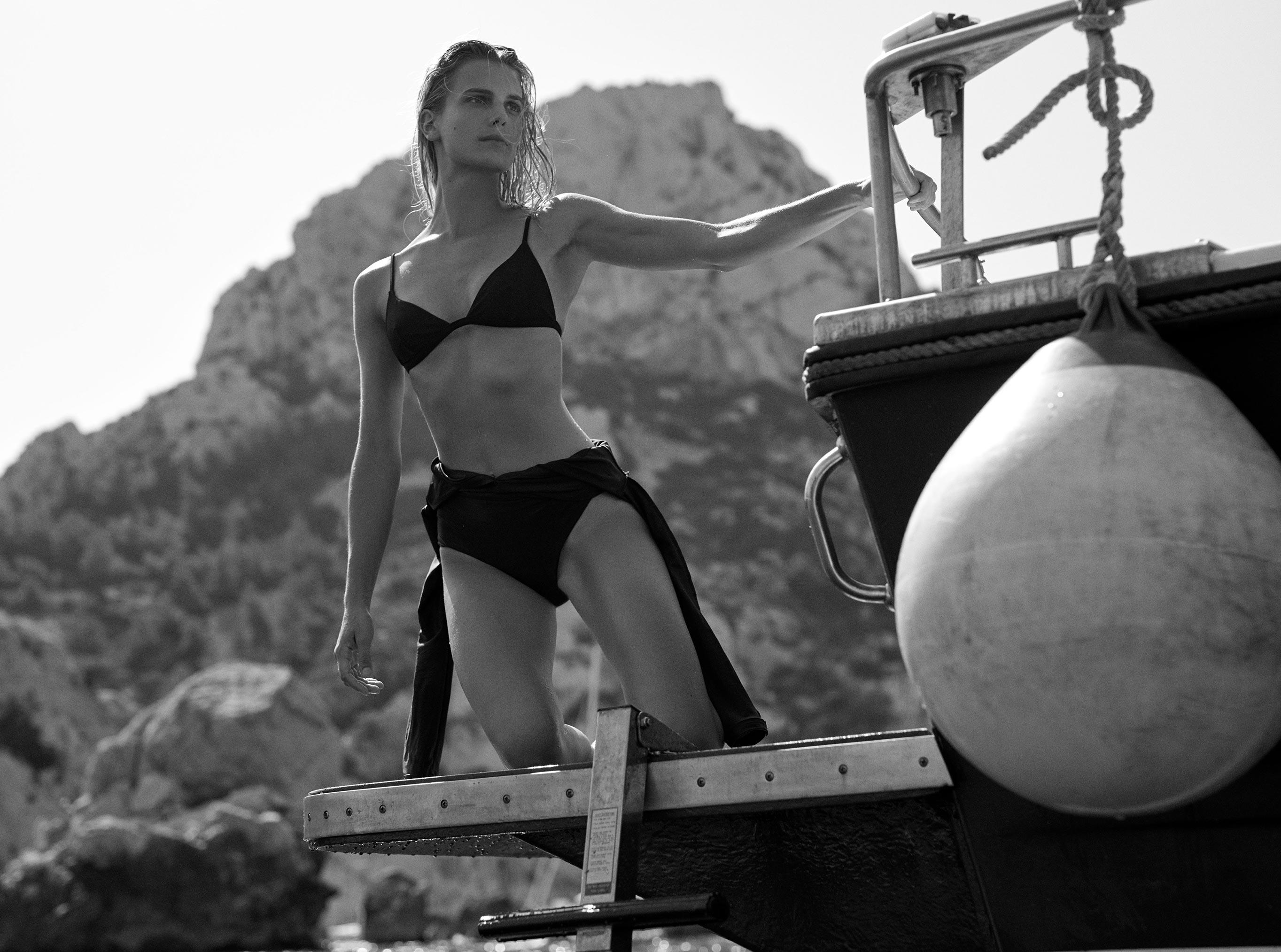 Кларенс Хаастер в купальниках и пляжной одежде модного бренда Matteau, лето 2019 / фото 05