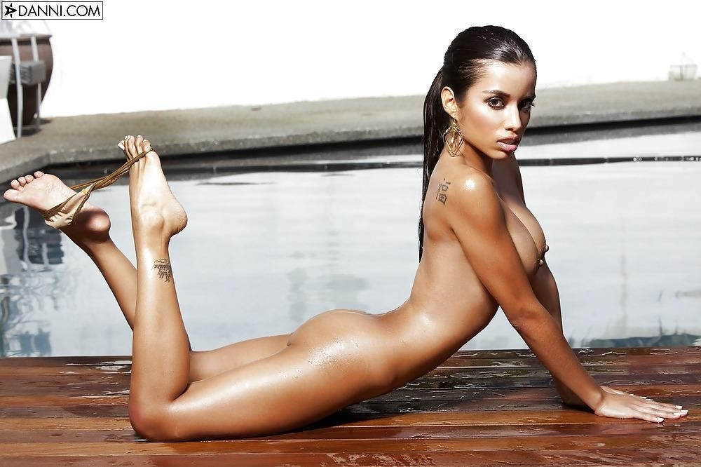 Lupe fuentes feet-6821