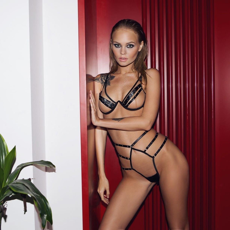 Анастасия Щеглова в сексуальном нижнем белье God Save Queen / фото 13