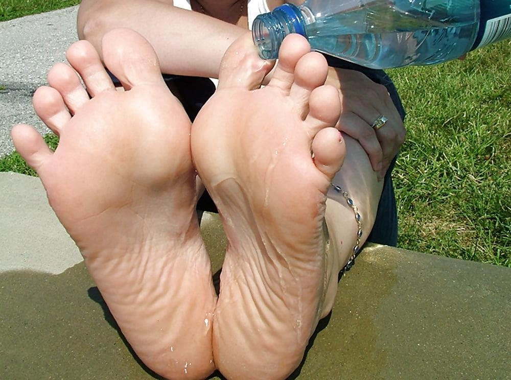 Young foot porn-5188