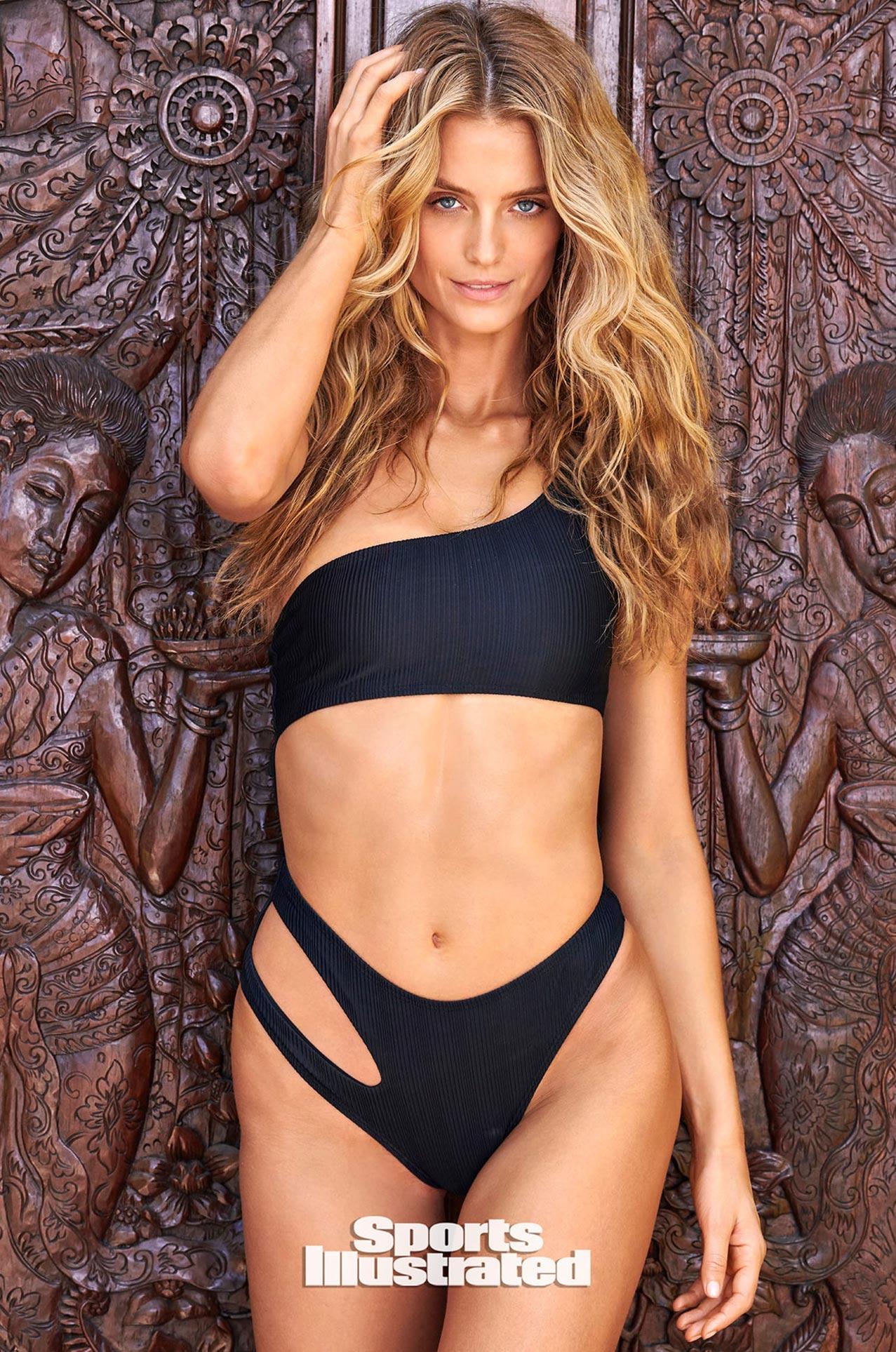 Кейт Бок в каталоге купальников Sports Illustrated Swimsuit 2020 / фото 02