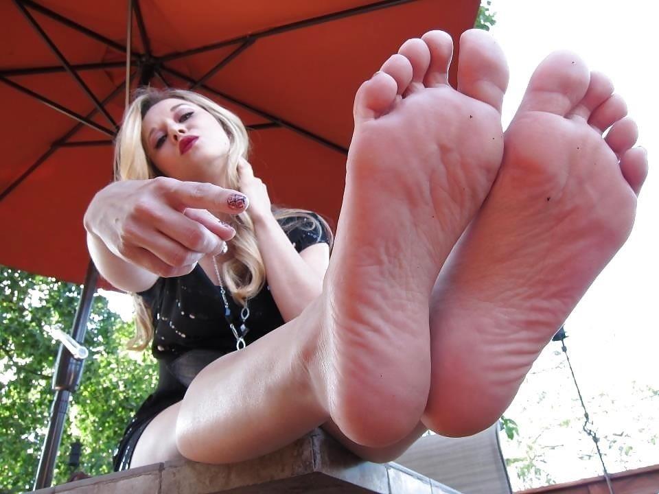 Worship my sweaty feet-3168