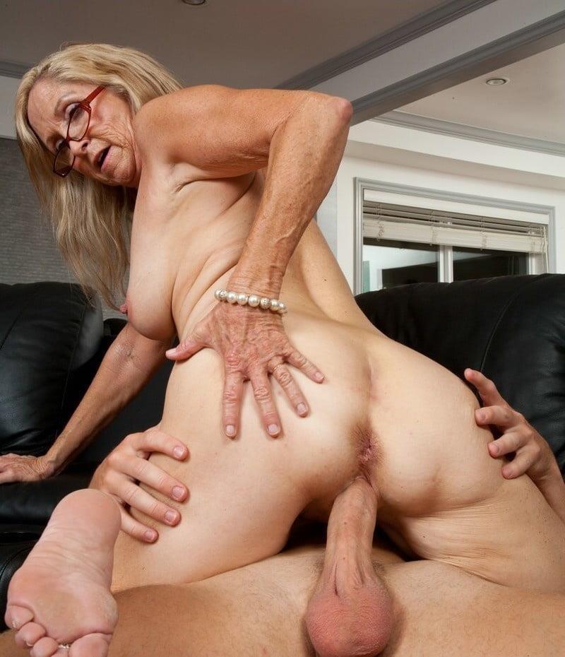 Annabelle brady anal-5576